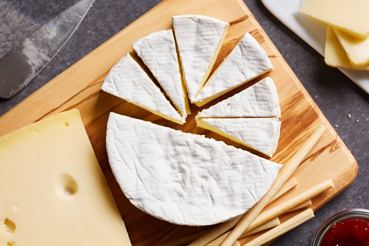 mixed cheese varieties
